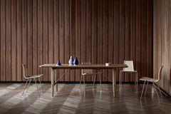 """Esstisch """"Hunting Table"""" von Carl Hansen & Son"""