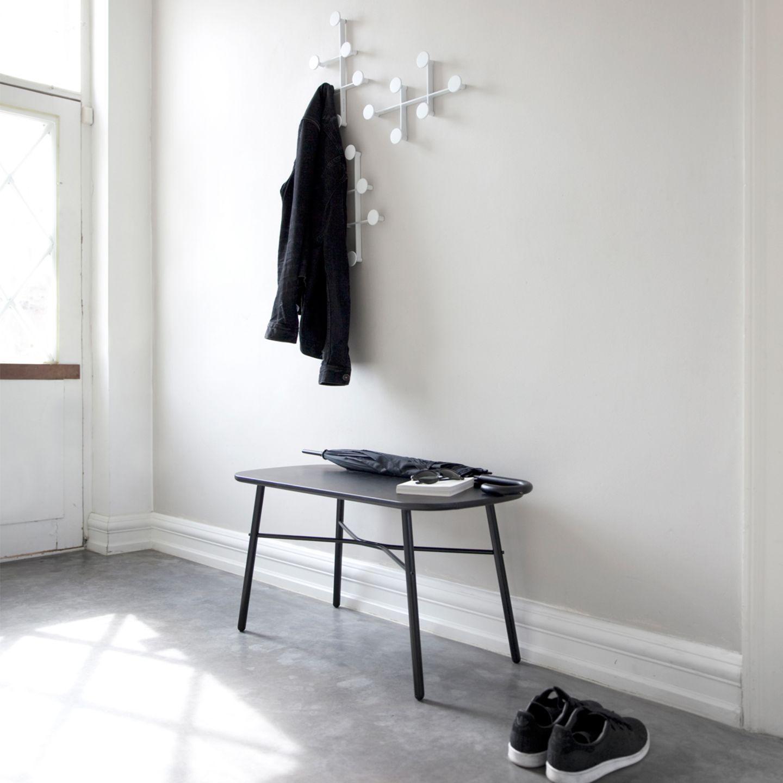 Eine Sitzbank für bequemes An- und Ausziehen im Flur - Bild 2