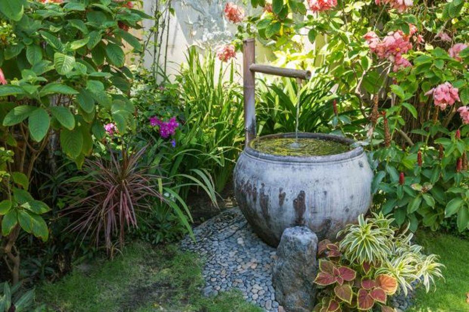 Brunnen im Blumengarten