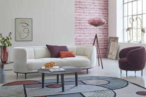 Bordeauxrot im Wohnzimmer