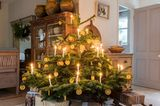 Was kommt wohin: Weihnachtsbaumschmuck richtig anordnen - Bild 8