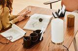 """Tischleuchte """"Planner PM02"""" von Fritz Hansen auf einem Holzschreibtisch"""