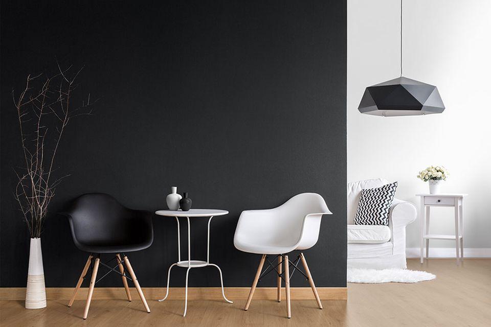"""""""New Black"""" verleiht der Wohnung einen modernen Anstrich."""