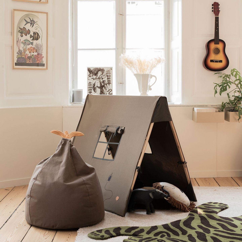 Sitzsack und Zelt in Taupe von Ferm Living