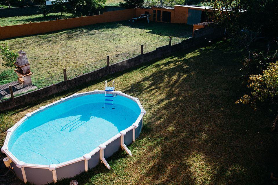 Frame-Pool im Garten