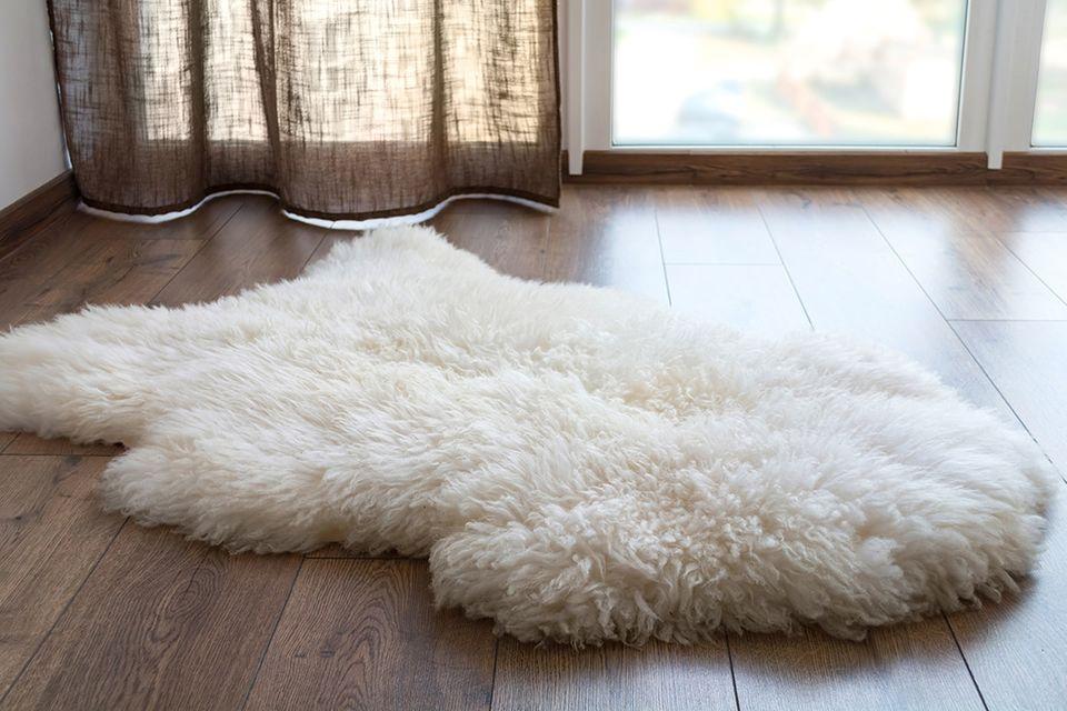 Teppich aus Schafwolle auf einem moderne Parkettboden
