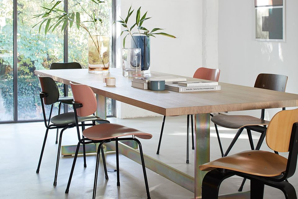 Geselliger Essplatz - Tisch und Stuhl