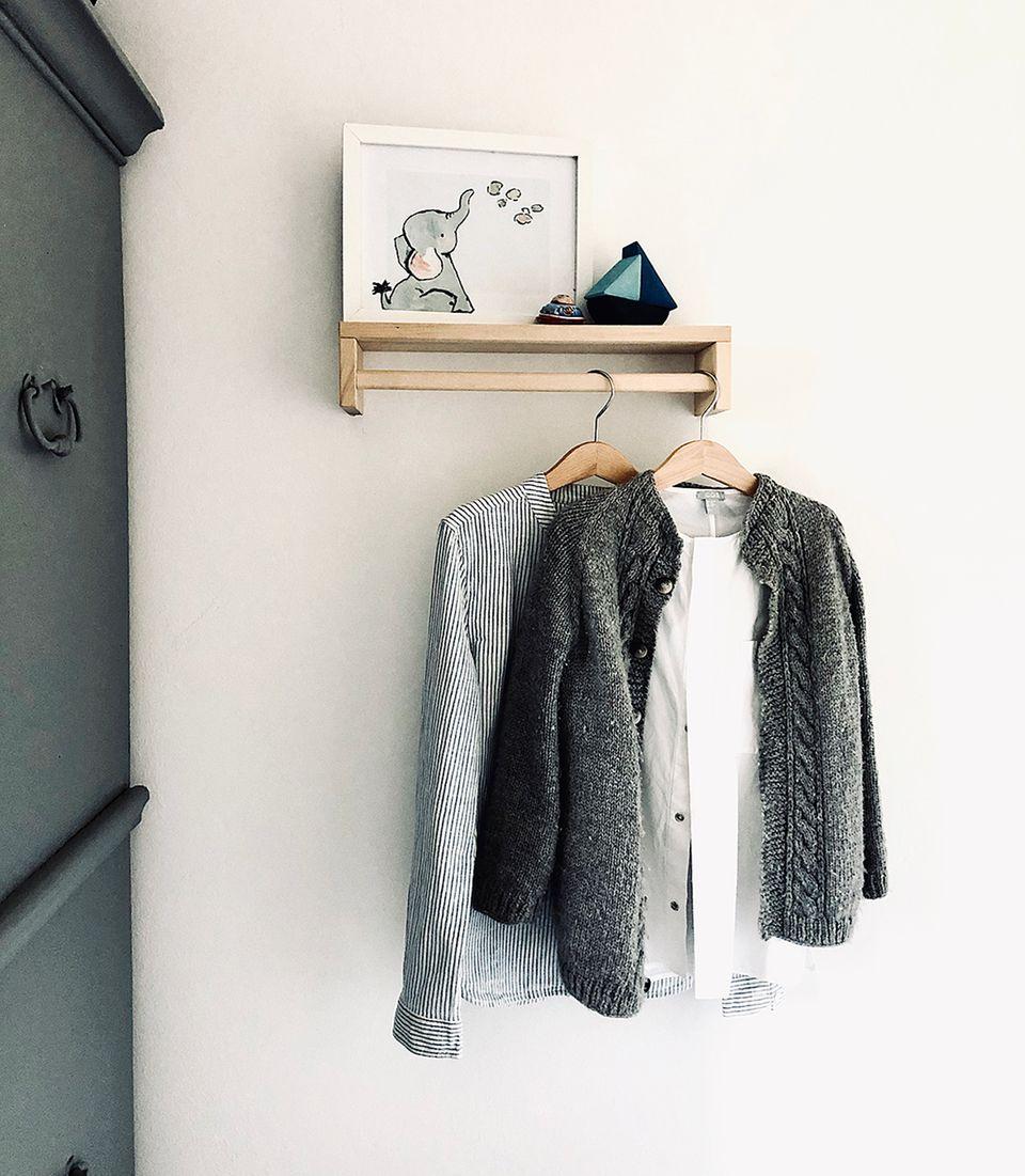 Ikea Hack: Gewürzregal als Garderoben-Board