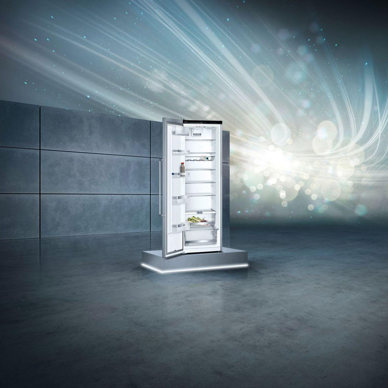 """Freistehender Kühlschrank """"KS36VAI4P"""" von Siemens"""