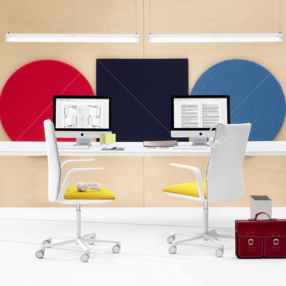 Inspiration: Mehr Farbe, bitte! Von diesen schalldämmenden Akustik-Elementen von Arper profitiert der Arbeitsplatz gleich doppelt.