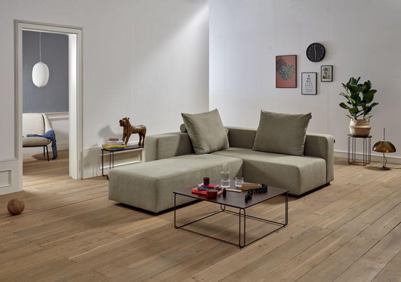 """Sofa """"Freistil 137"""" von Rolf Benz in Salbei."""