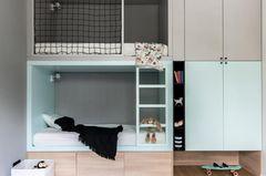 Etagenbett mit viel Stauraummöglichkeiten