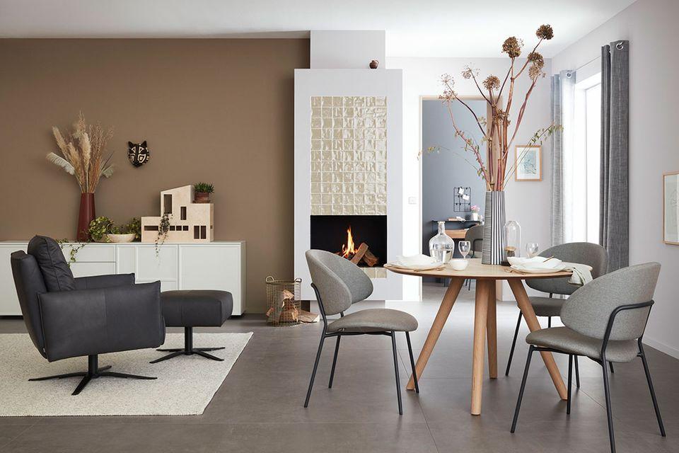 Wohnzimmer mit Bodenfliese der SCHÖNER WOHNEN-Kollektion