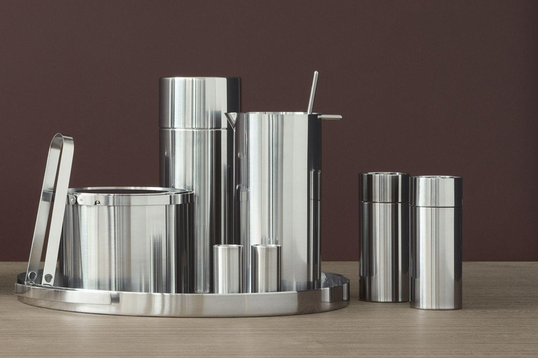 """Salz- & Pfefferstreuer und weitere Küchenaccessoires aus der """"Cylinda Line""""-Serie von Stelton"""