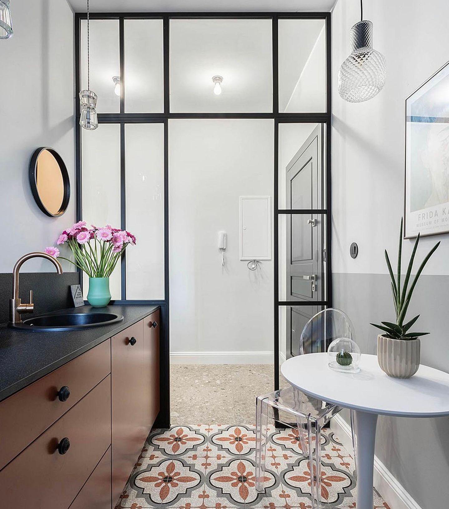 Lofttür aus Glas und Stahl von Holzconnection im Badezimmer.