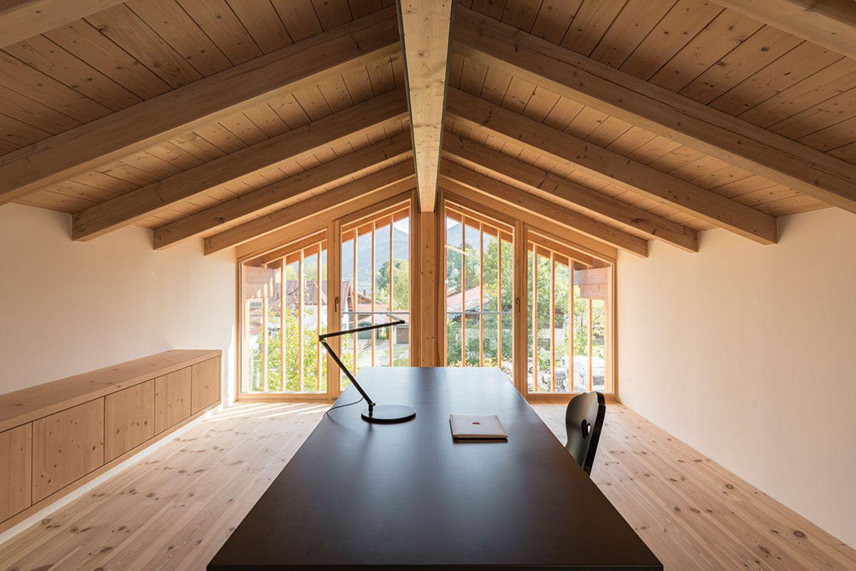 Haus Schliersee: Büro im Dachstuhl