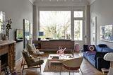 """Kompakte Küche """"+Venovo"""" von Poggenpohl in einem Wohnzimmer mit Sideboard-Optik"""