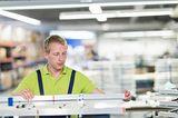 Für die Kochfeld- und Effektbeleuchtung setzt berbel langlebige LEDs in Aluminiumschienen ein. Das ist gut für die Umwelt und sorgt für bestens ausgeleuchtete Töpfe und Pfannen.  Weitere Infos: berbel.de      Weitere Themen:   Dunstabzüge für die Küche  Kochfeld mit Abzug  Dunstabzüge für beste Luft in der Küche