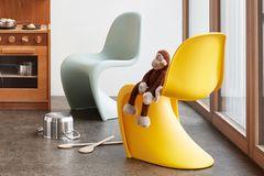 """Kinderstühle """"Panton Junior"""" von Vitra in Gelb und Min"""
