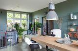 Ehemaliges Foyer mit blaugrünen Wänden