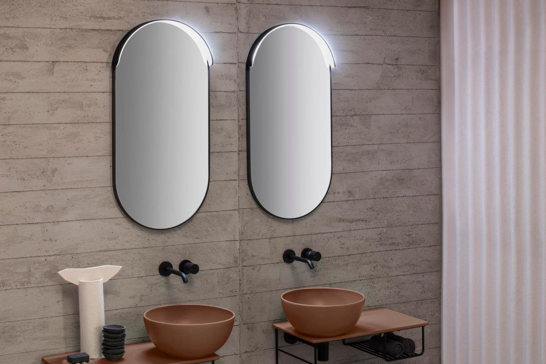 Ovaler Spiegel mit integrierter Beleuchtung von Ceramica Globo
