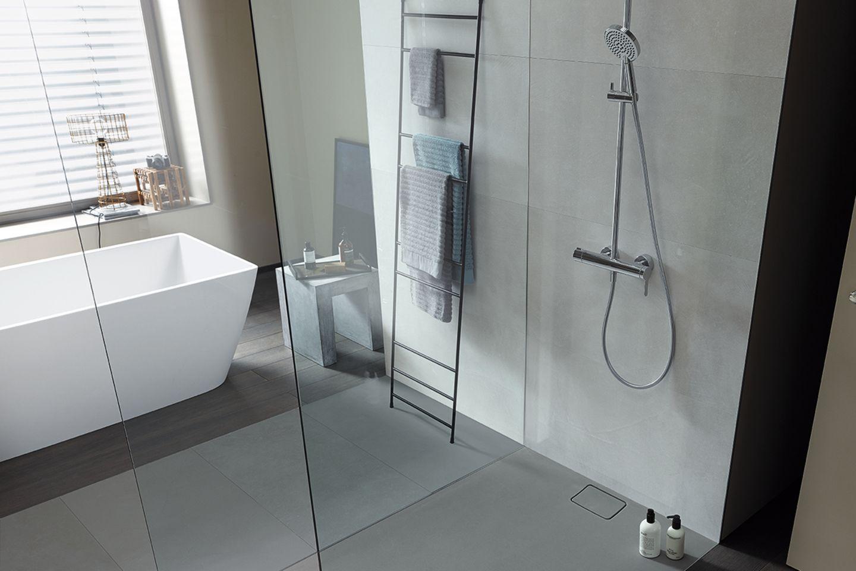 Ausgezogen Ebenerdige Dusche im Badezimmer   [SCHÖNER WOHNEN]
