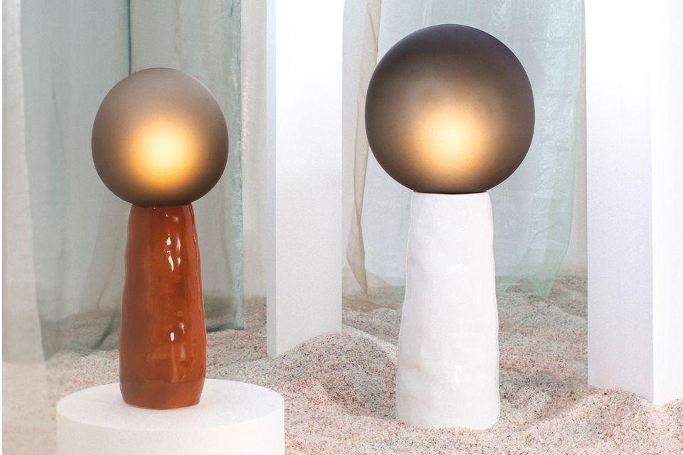 """Leuchte """"Kokeshi"""" von Pulpo in Terrakotta und Weiß"""