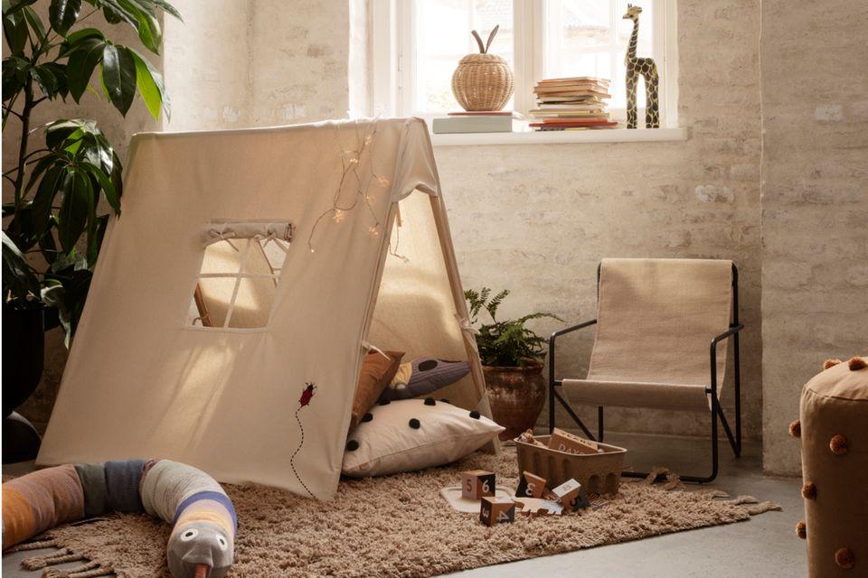 Kinderzimmer mit Tipi als Kuschelecke